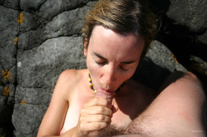 Cum splattered facial Frau blowjob..