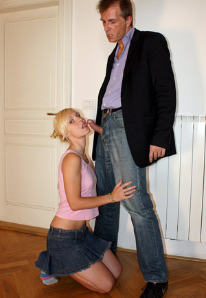 Boss fuck his little blonde secretary..