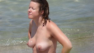 Amateur Beach Voyeur Boobs Tits High..