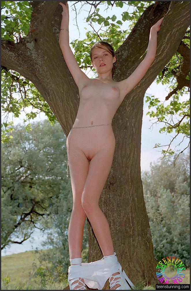 Jahre 18 nackte mädchen nackte mädchen