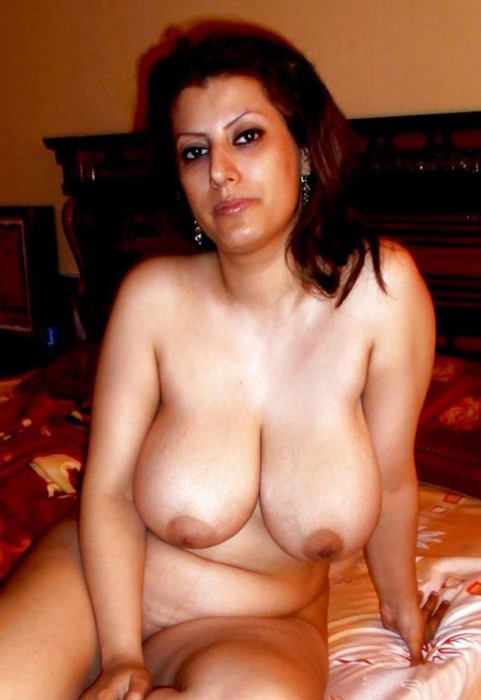 Sexy nude arab milfs